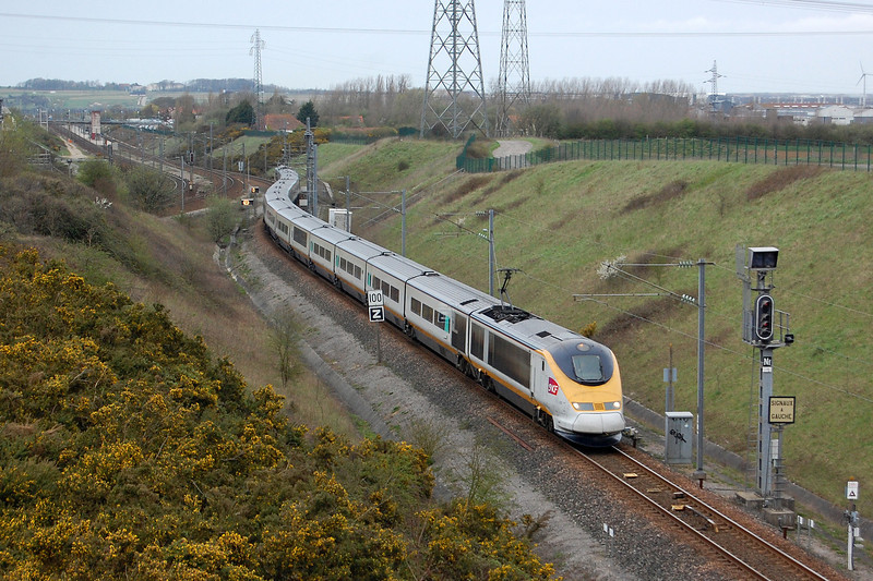 North of London set 3301 joins the High Speed Line at Calais with a TER service from Boulogne Ville to Lille Europe.