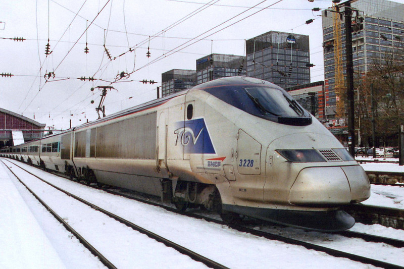 Three Capitals set 3228 at Lille Flandres. This set is used by SNCF on domestic services in France.