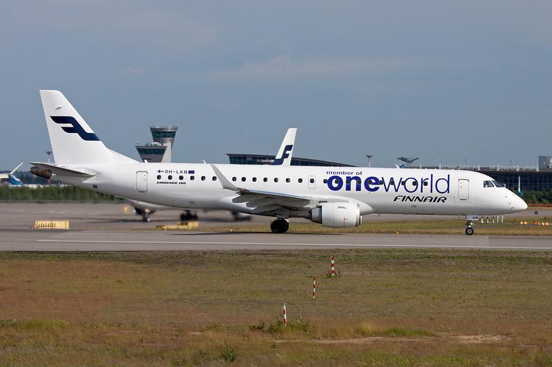 """OH-LKN Embraer Emb-190-100IGW c/n 19000252 Helsinki-Vantaa/EFHK/HEL 20-06-11 """"One World"""""""