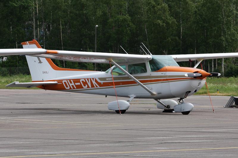 OH-CVK Cessna 172N c/n 172-73786 Helsinki-Malmi/EFHF/HEM 19-06-11