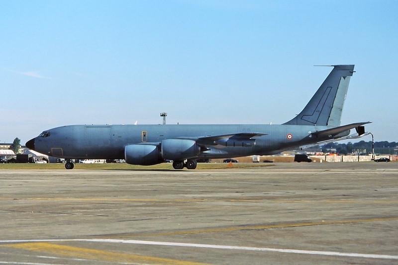 "38472 Boeing C-135FR Stratotanker ""French Air Force"" c/n 18681 Fairford/EGVA/FFD 24-07-95 (35mm slide)"