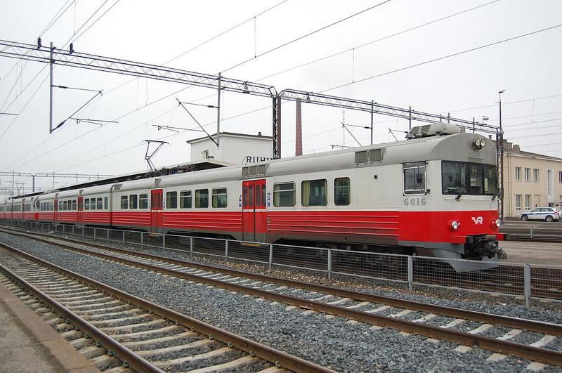 Sm1 6016 at Riihimaki on the 23rd March 2007.
