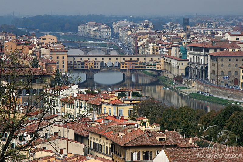 Arno River & Ponte Vicchio Bridge