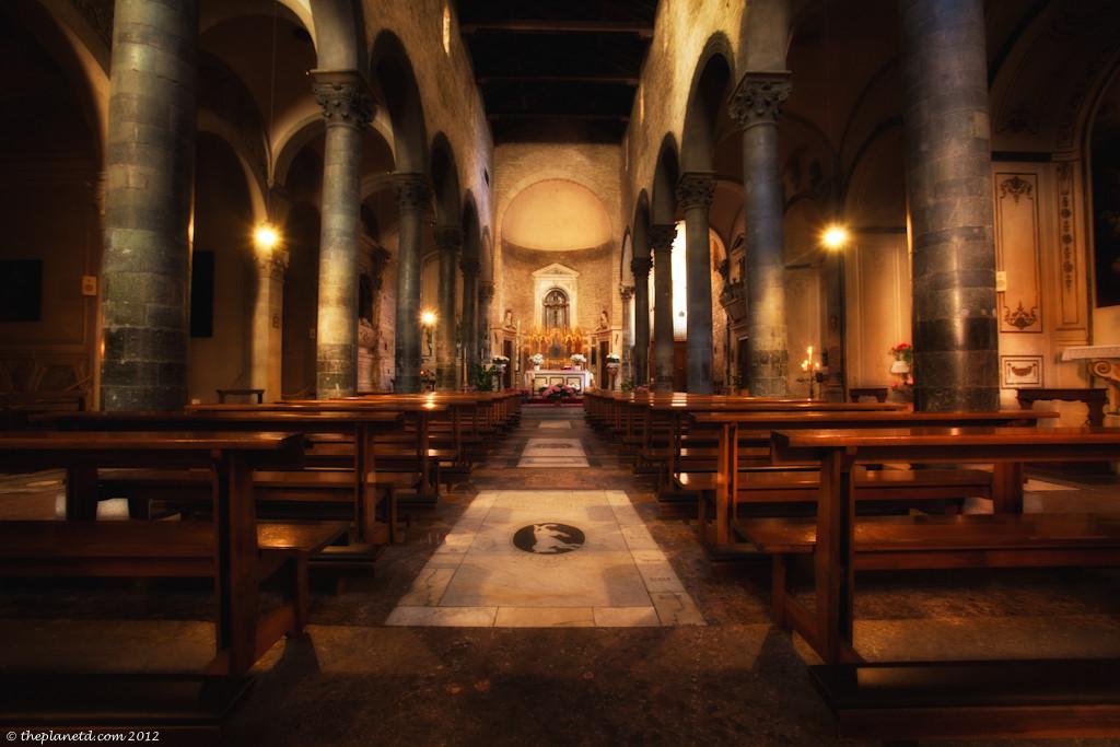 The church of Santi Apostoli in Piazza del Limbo Florence