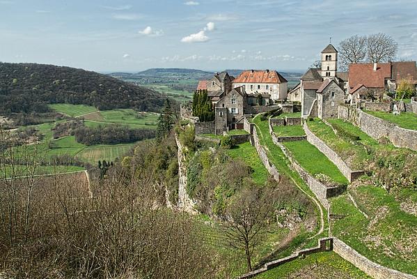 Hilltop Village, Jura