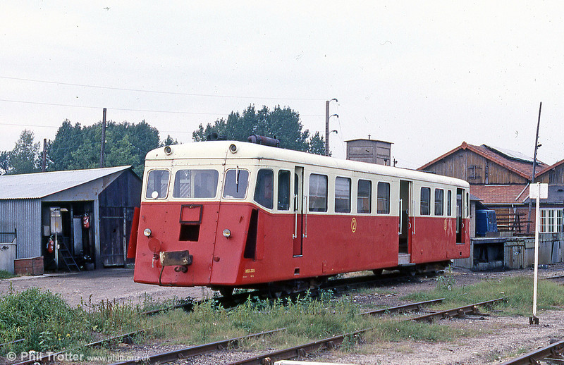 CFBA X205 was the last survivor of 6 1948 De Dion Bouton cars transferred from the Reseau Breton in 1968. It was kept as a reserve car. August 1988.