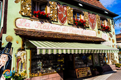 German influence of a gingerbread factory with a French name