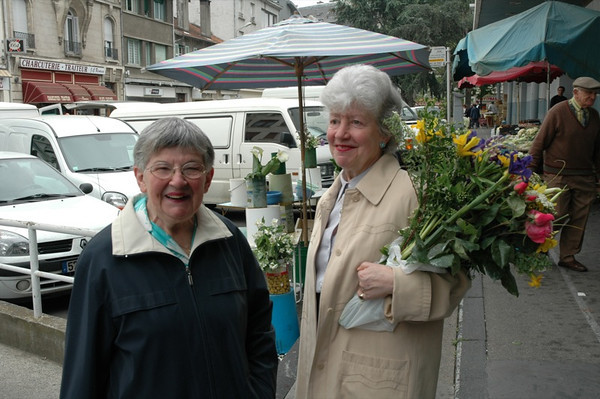 Market Ladies - Pau, France