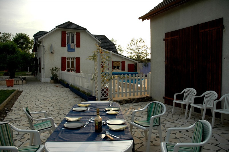 Dinner at Farmhouse - Lahon, France