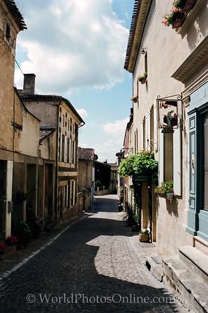 St Emillion - Street Scene