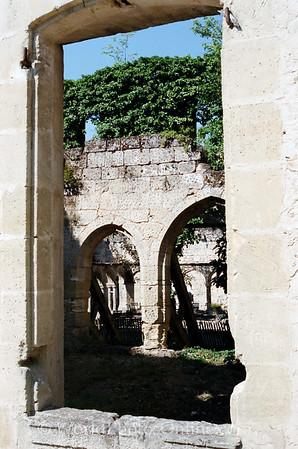 St Emillion - Window at ruins