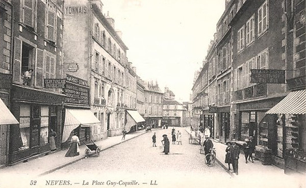 La Place Guy-Coquille