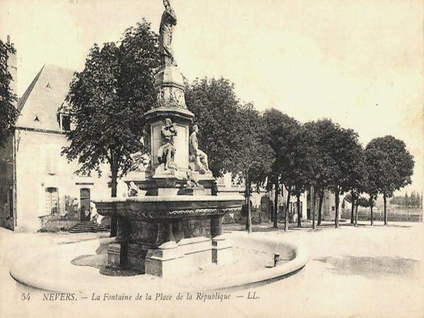 La Fontaine de la Place de la République