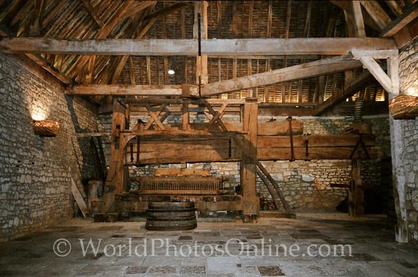 Burgundy - Chateau De Clos De Vougeot - 1200 AD 4 Ton Wine Press