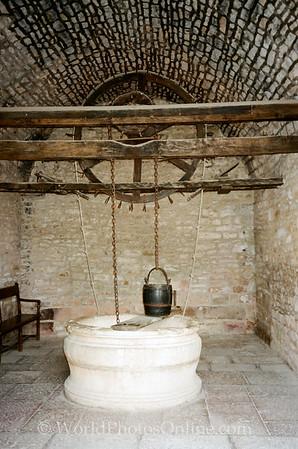 Burgundy - Chateau De Clos De Vougeot - Well