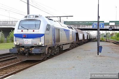 4004 (87-00047-004-3) passes Antwerpen Noorderdokken (Belgium)  27/04/15