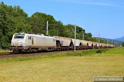 37512 arrives into Montmelian (Southern France) 10/06/14  Watch the video at: http://youtu.be/JD5BghYstl8