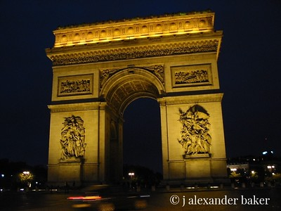 Arch De Triumph at night