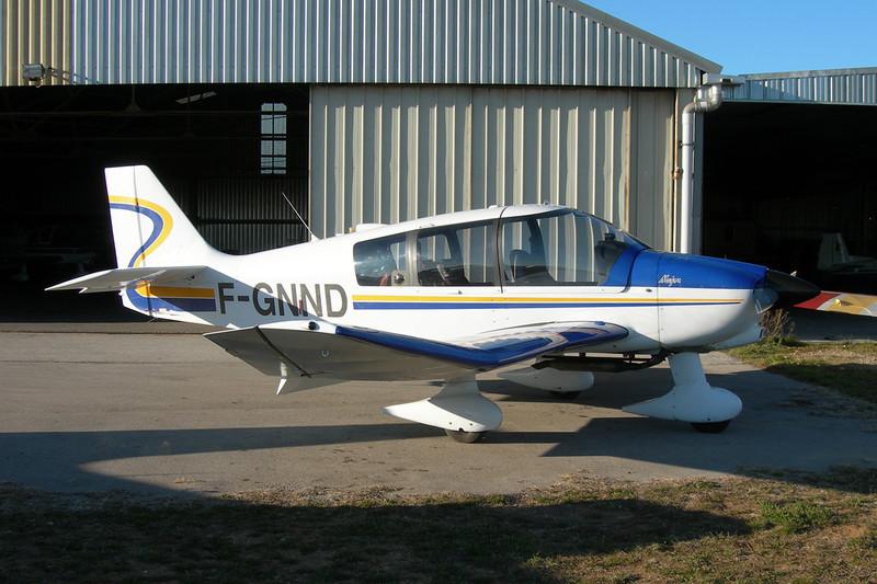 F-GNND Robin DR.400-160 Major c/n 2241 Montpellier-Candillargues/LFNG 06-02-11