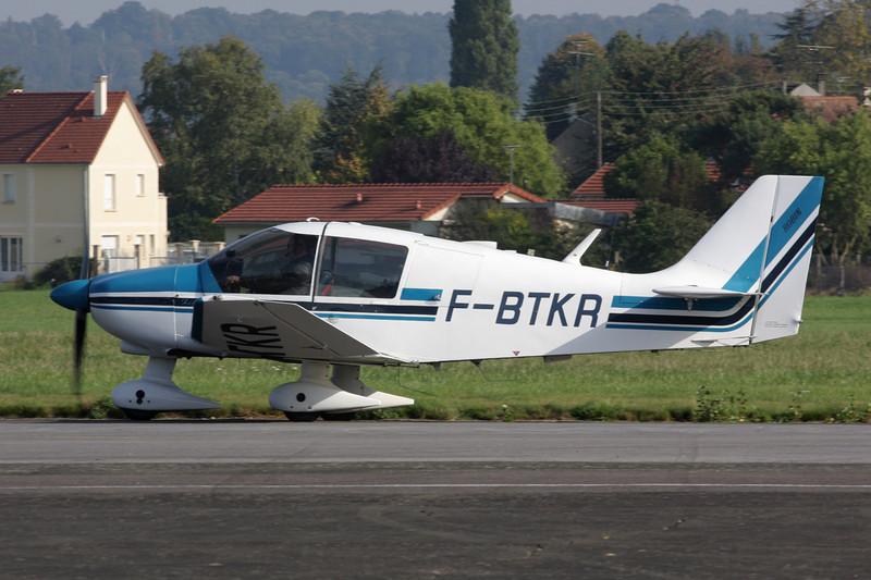F-BTKR Robin DR.400-180 Regent c/n 699 St.Cyr L'Ecole/LFPZ 10-10-10