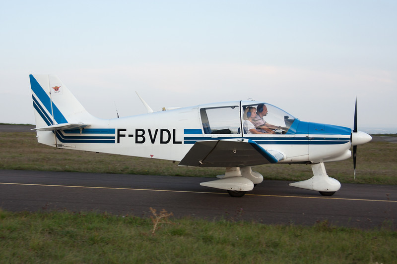 F-BVDL Robin DR.400-108 Dauphin 80 c/n 934 Dijon-Darois/LFGI 27-09-09
