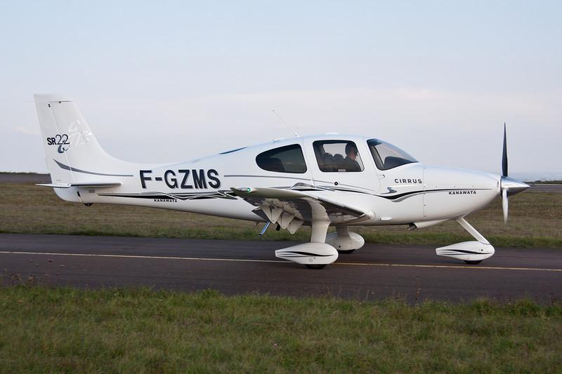 F-GZMS Cirrus Design SR-22 G3 GTS c/n 1565 Dijon-Darois/LFGI 27-09-09