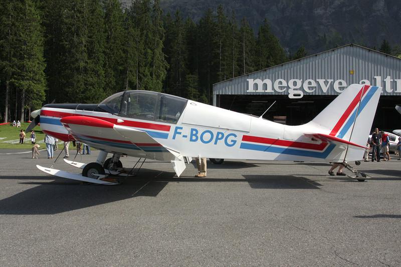 F-BOPG SAN Jodel D.140E Mousquetaire c/n 188 Megeve/LFHM/MVV 04-07-08