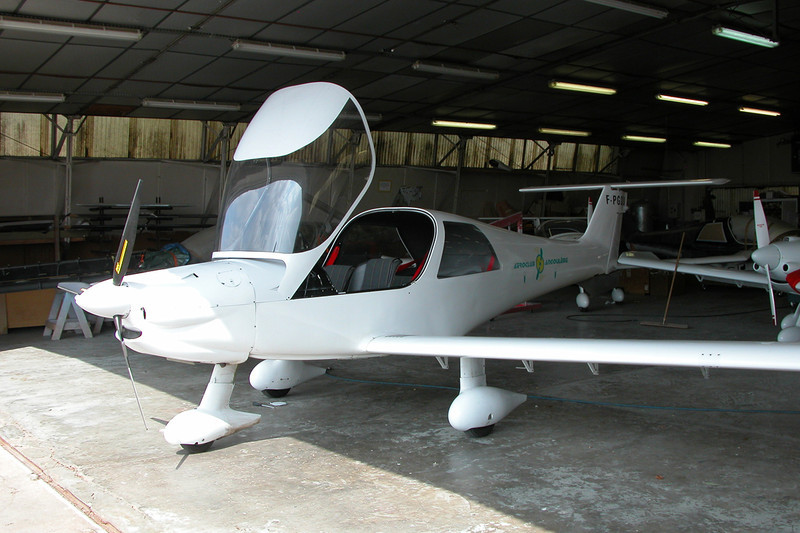 F-PGDU Dyn'Aero MCR-4S 2002 c/n 05 Dijon-Darois/LFGI 19-04-10