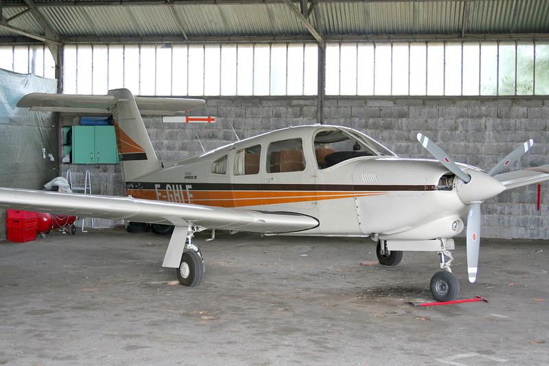 F-GHLE Piper PA-28RT-201T Turbo Arrow IV c/n 28R-8431012 Valence-Chabeuil/LFLU/VAF 18-06-06