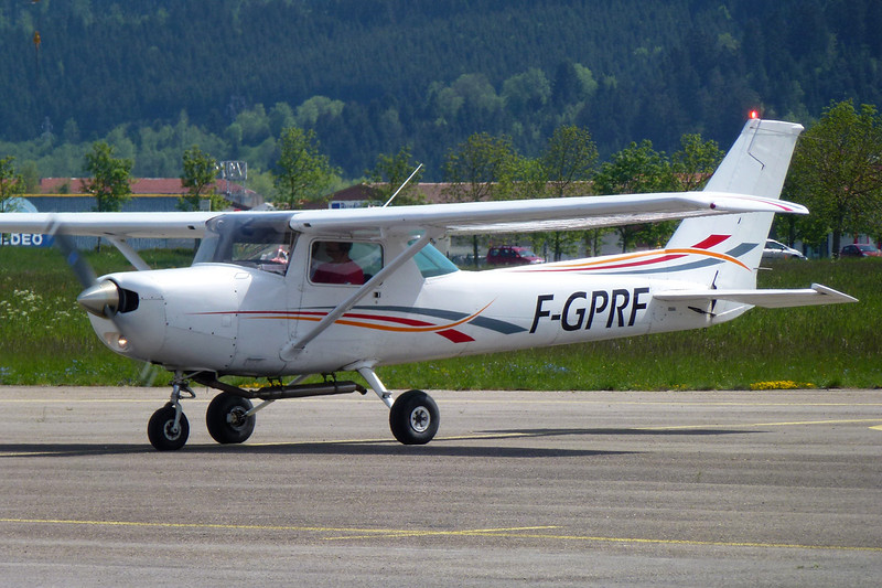 F-GPRF Cessna 152 c/n 152-84714 Pontarlier/LFSP 08-06-13