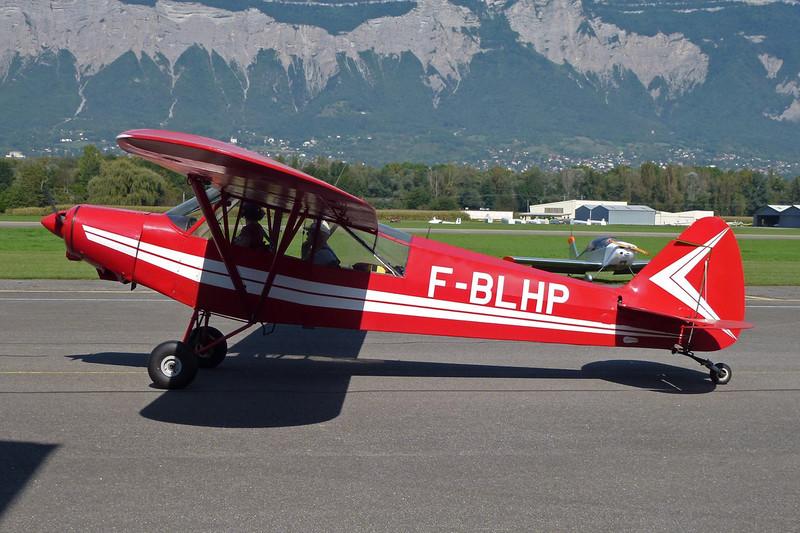 F-BLHP Piper PA-18-150 Super Cub c/n 18-5355 Grenoble-Le Versoud/LFLG 11-09-11