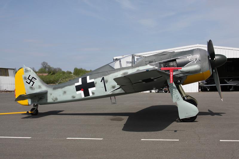 F-AZZJ (Black 1) Focke-Wulf Fw.190 A-8/N Replica c/n 990013 Dijon-Darois/LFGI 25-04-10