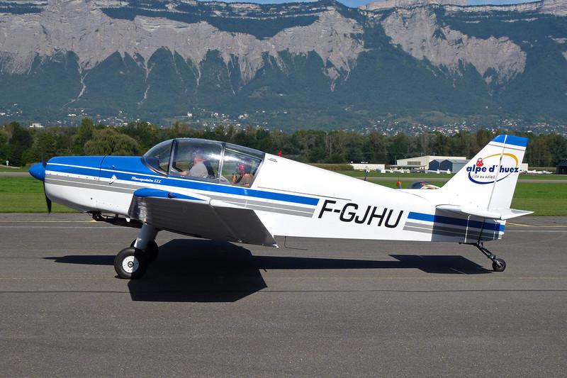 F-GJHU SAN Jodel D.140C Mousquetaire c/n 153 Grenoble-Le Versoud/LFLG 11-09-11