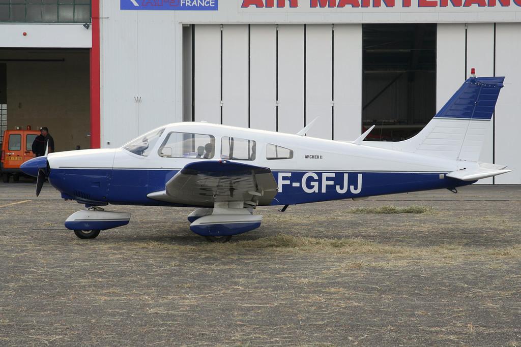 F-GFJJ_LFAT_160608_1200-XL.jpg