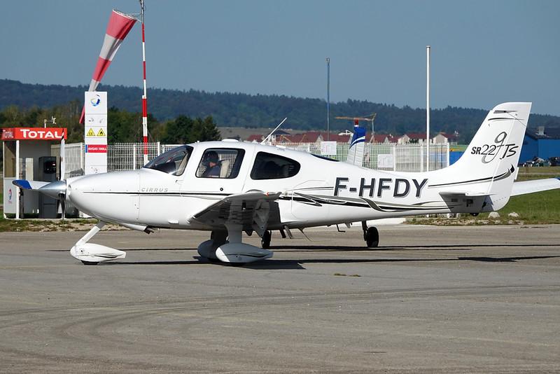 F-HFDY Cirrus Design SR-22 c/n 1740 Pontarlier/LFSP 21-09-19