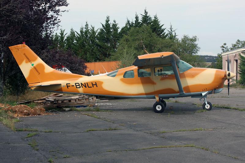 F-BNLH Cessna T.210F Turbo Centurion c/n T210-0074 Dijon-Darois/LFGI 03-09-15