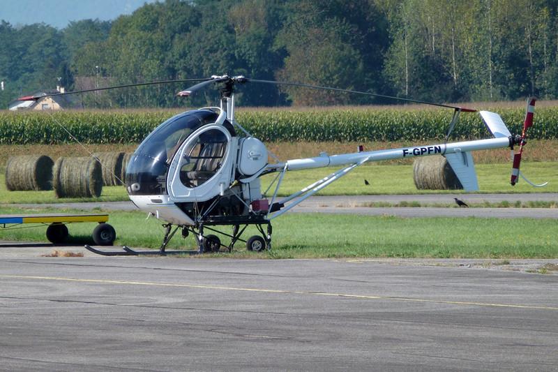 F-GPFN Schweizer 269C c/n S.1267 Grenoble-Le Versoud/LFLG 11-09-11