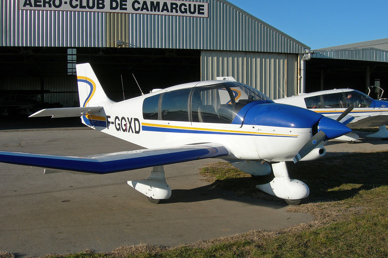 F-GGXD Robin DR.400-120 Petit Prince c/n 1882 Montpellier-Candillargues/LFNG 06-02-11