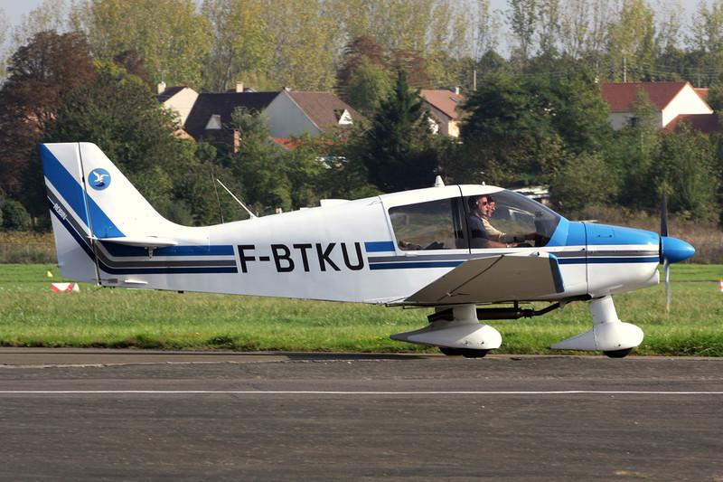 F-BTKU Robin DR.400-120 Petit Prince c/n 719 St.Cyr L'Ecole/LFPZ 10-10-10