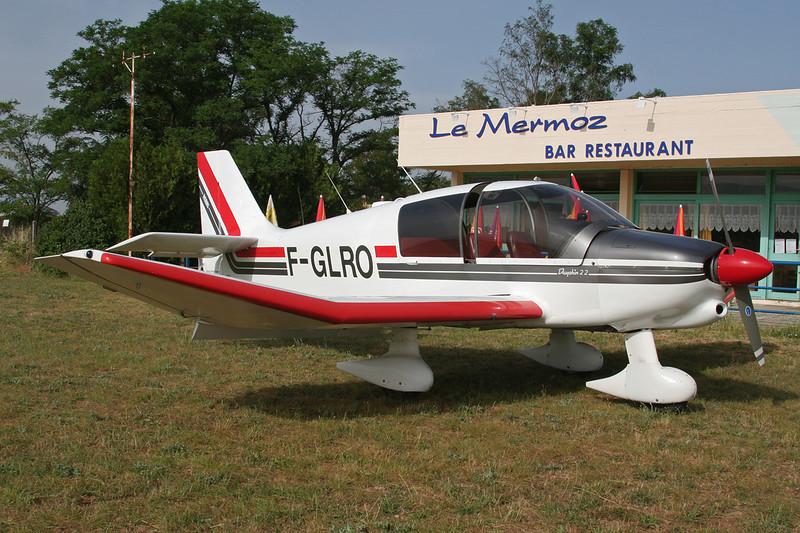 F-GLRO Robin DR.400-120D Dauphin 2+2 c/n 1688 Valence/LFLU/VAF 18-06-06