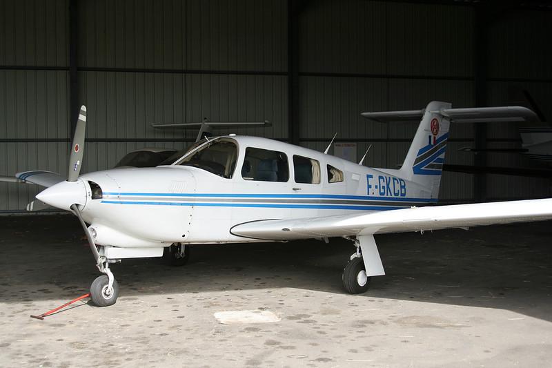 F-GKCB Piper PA-28-RT-201T Turbo Arrow IV c/n 28R-8131136 Valence/LFLU/VAF 18-06-06