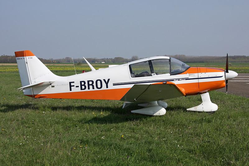 F-BROY Robin DR.315 Petit Prince c/n 365 Beaune/LFGF/XBV 17-04-10