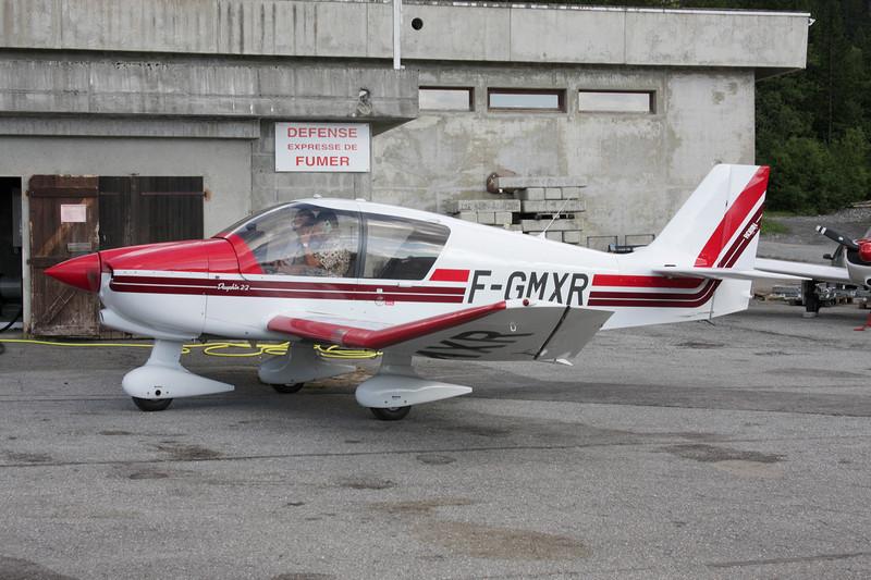 F-GMXR Robin DR.400-120 Petit Prince c/n 2230 Megeve/LFHM/MVV 04-07-08