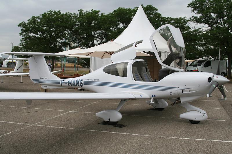 F-HANS Diamond DA-40D Star TDI c/n D4.170 Lyon-Bron/LFLY/LYN 17-06-06