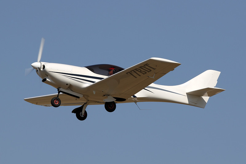 77-BDT (F-JRZL) Vanessa Air VL-3 Flamingo c/n VL-3-074 Blois/LFOQ/XBQ 01-09-18