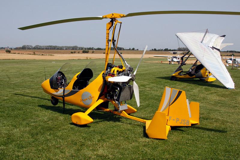 F-PJSB Magni M-16 Tandem Trainer c/n 01 Avernas/EBAV 19-08-12