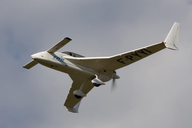 F-PYYI Rutan Long Ez c/n 1575 Hasselt-Kiewit/EBZH 29-08-09