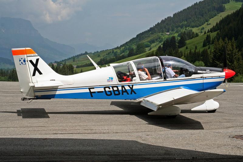 F-GBAX (X) Robin DR.400-180R Remorqueur c/n 1312 Megeve/LFHM/MVV 10-06-07