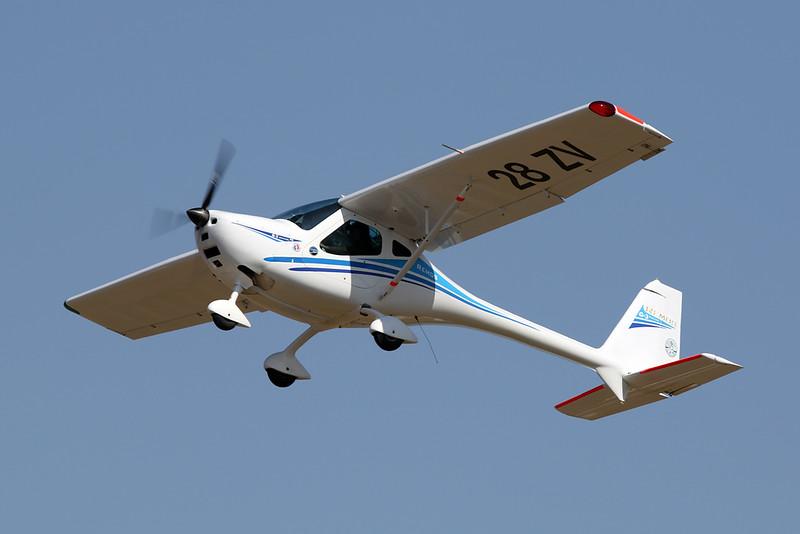 28-ZV (F-JPEK) Remos G-3 Mirage c/n unknown Blois/LFOQ/XBQ 01-09-18