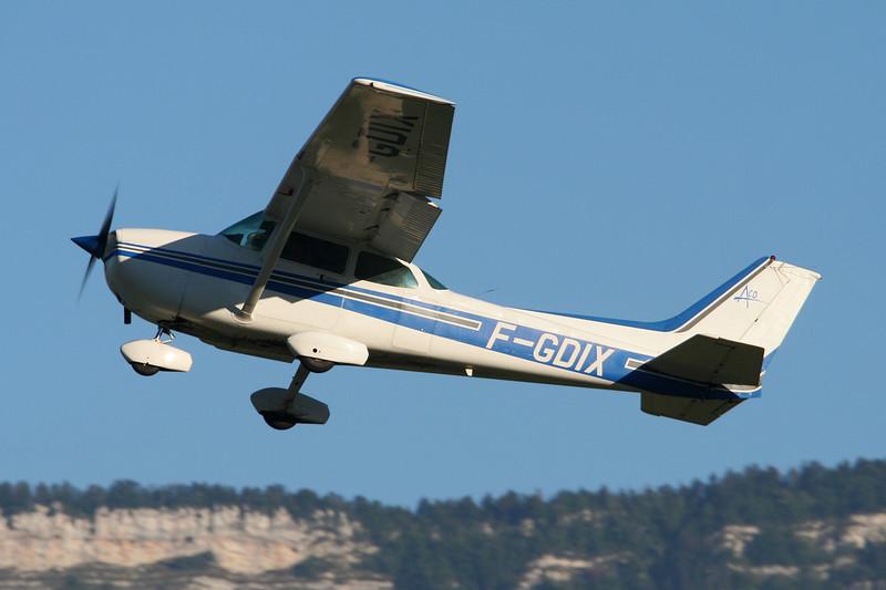 F-GDIX Reims-Cessna F.172P c/n 2162 Grenoble-Le Versoud/LFLG 01-09-06